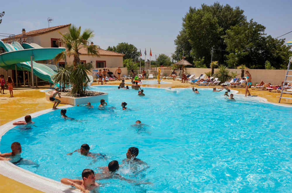 Camping pool vias beach