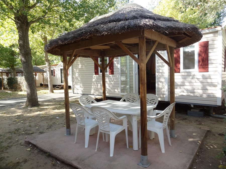 Family mobile home rental Vias